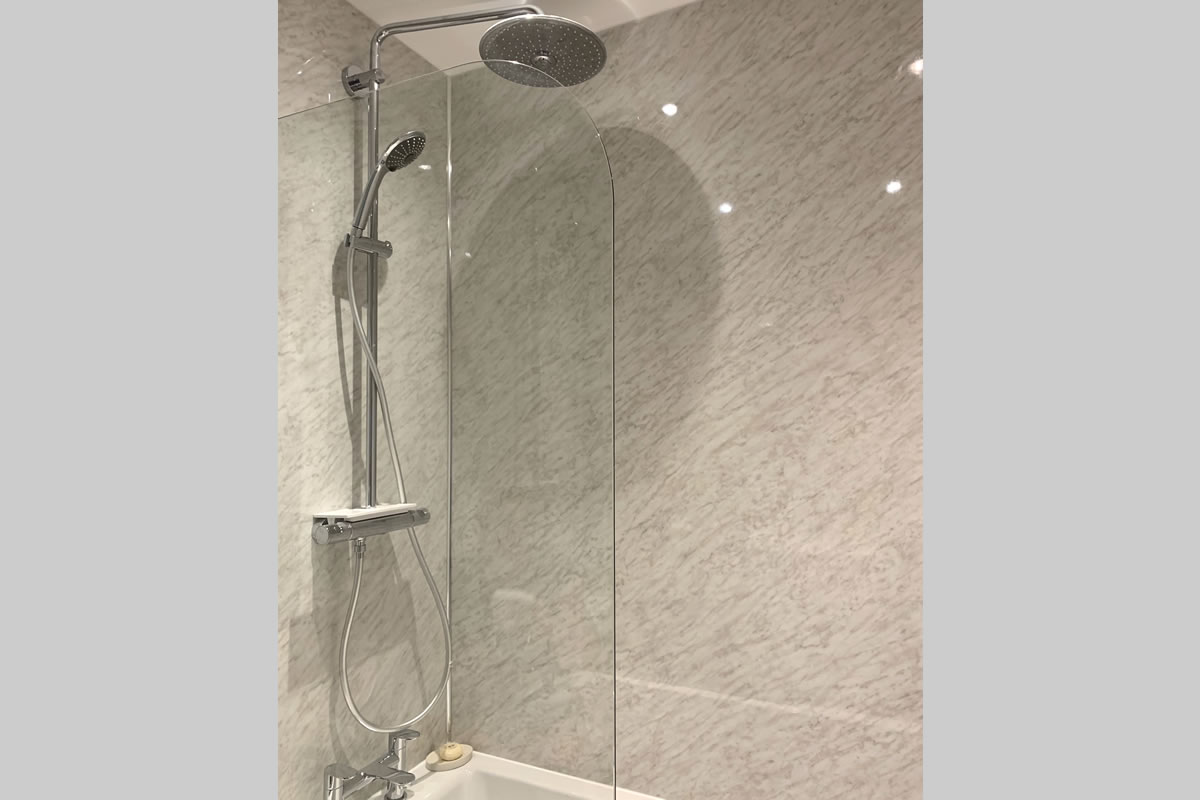 Morlais bathroom 2